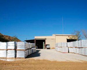 arena en almacén de materiales de obra